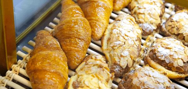 Thực phẩm chứa nhiều đường làm mụn xuất hiện nhiều hơn