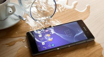Hình ảnh VCKeOEN của Những cách cứu sai lầm khi điện thoại, máy tính bảng rơi vào nước tại HieuMobile