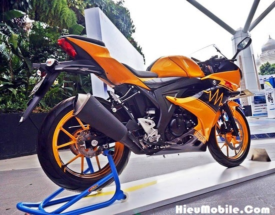 Hình ảnh YBirS6J của Suzuki giới thiệu mẫu GSX R150 tem cam đen cực chất tại HieuMobile
