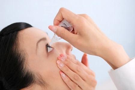 Sử dụng quá nhiều thuốc nhỏ mắt gây ra những hậu quả không tốt