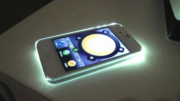 Hình ảnh lNlCGbB của 04 mẹo cực thú vị khi dùng đèn Flash LED trên iPhone tại HieuMobile