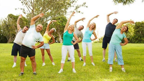 Tập thể dục mỗi ngày dưới ánh nắng sớm của mặt trời giúp làn da của bạn khỏe mạnh hơn
