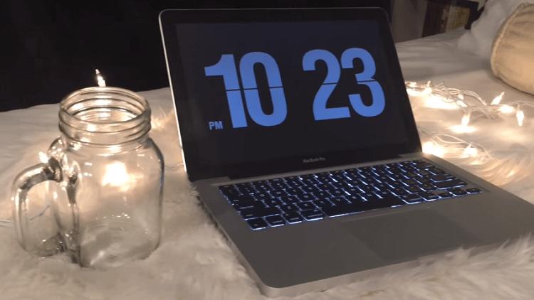 Ảnh màn hình chờ - screen saver có trên một chiếc laptop